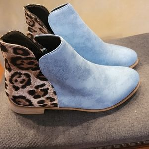 Zulily baby blue and leopard bootie. Soft feel.